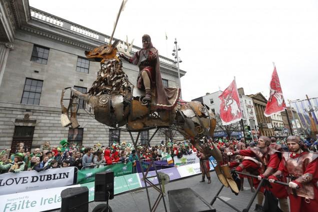 Pferd aus Metall (Patrick´s Day Dublin)