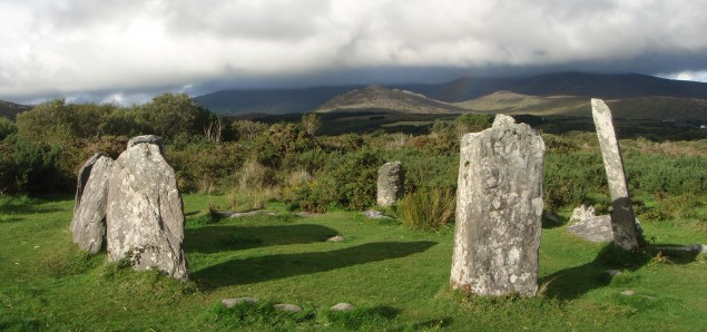 Hier wandern wir - Wandern mit Wanderlust - Steinkreis bei Castletownbere