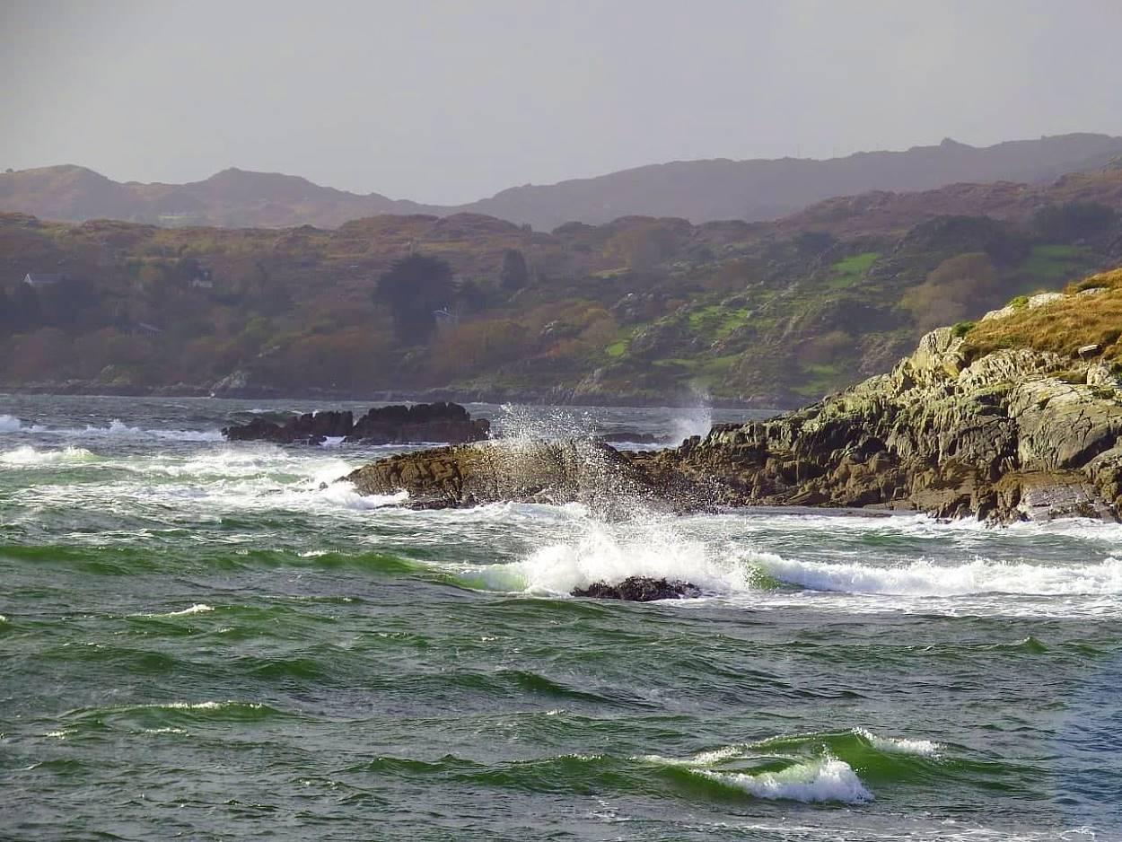 Irlandnews - Bantry Bay - Wellen gucken